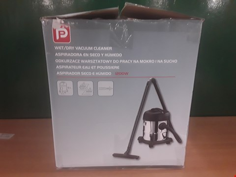 Lot 90 BOXED WET/DRY VACUUM  RRP £30
