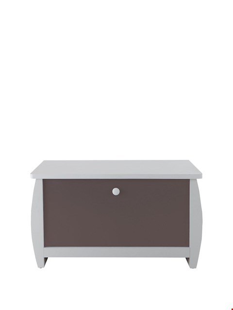 Lot 3424 BRAND NEW BOXED ORLANDO FRESH BROWN AND SILVER OTTOMAN (1 BOX) RRP £69