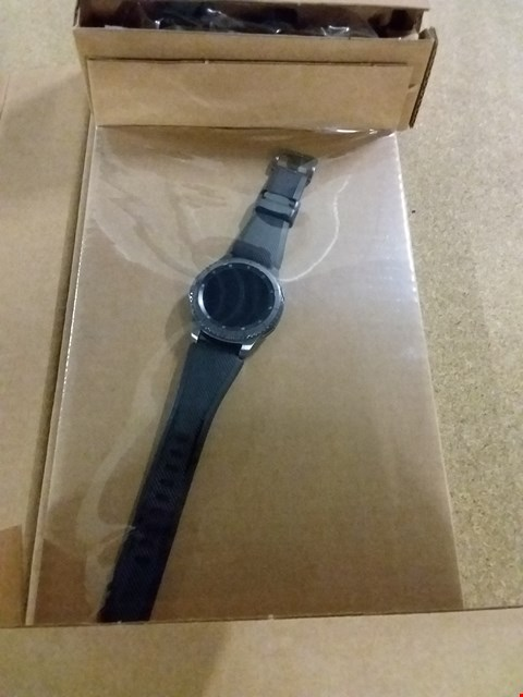 Lot 33 SAMSUNG GEAR S3 FRONTIER SMART WATCH RRP £469.99