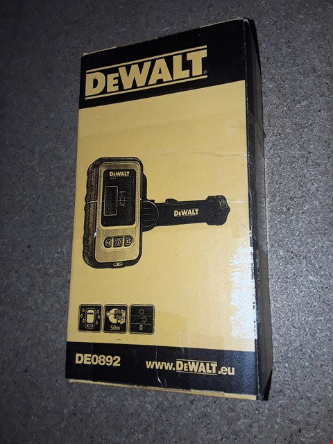 Lot 1650 DEWALT DIGITAL LASER DETECTOR WITH 50M RANGE
