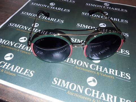 Lot 4 BOXED PAIR OF GUCCI SUNGLASSES