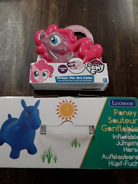 Lot 871 LOT OF 2 ASSORTED ITEMS TO INCLUDE INFLATABLE JUMPING HORSE, PINKIE PIE ART CASE RRP £48