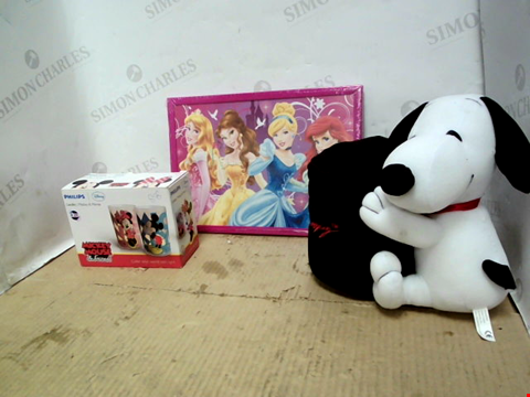 Lot 11605 BAG OF LARGE QUANTITY OF ASSORTED HOUSEHOLD ITEMS TO INCLUDE MICKEY MOUSE CANDLES, DISNEY PRINCESS PICTURE FRAME, SNOOPY CUP WARMER ETC.