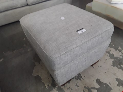 Lot 108 QUALITY BRITISH DESIGNER RECTANGULAR NATURAL FABRIC STORAGE FOOTSTOOL