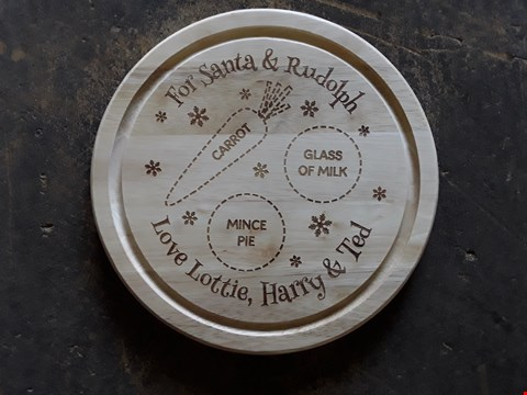 Lot 7248 LOT OF 3 ITEMS TO INCLUDE PERSONALISED VALENTINES TO THE MOON SLATE HEART, PERSONALISED CHRISTMAS EVE ROUND TREATS BOARD, PERSONALISED LOVE, LAUGHTER AND HAPPILY EVER AFTER MONEY BOX