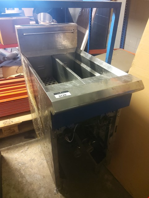 Lot 605 TWIN TANK FRYER