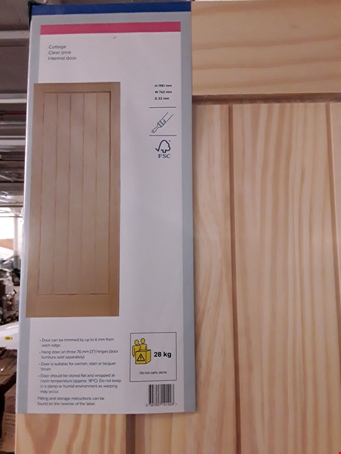Lot 3160 COTTAGE CLEAR PINE INTERNAL DOOR H1981 X W762 X D35 MM