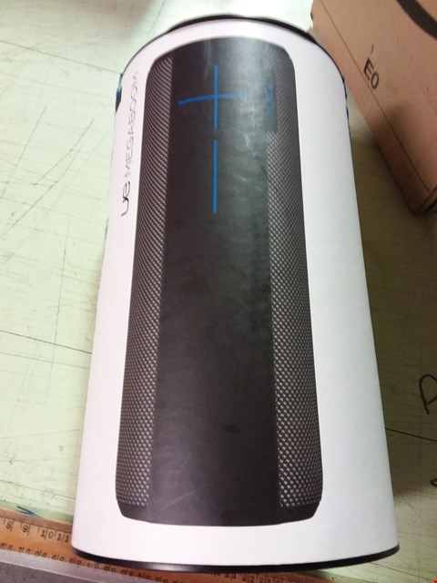 Lot 844 ULTIMATE EARS UE MEGABOOM WIRELESS SPEAKER