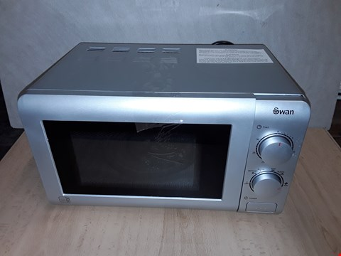 Lot 8093 UNBOXED SWAN SM22090S 20L MICROWAVE  RRP £64.99