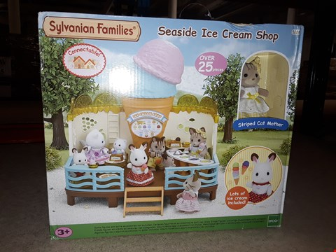 Lot 1385 BRAND NEW SYLVANIAN FAMILIES ICE CREAM SHOP RRP £87.99