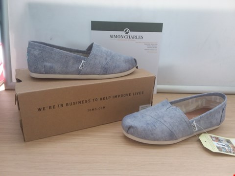 Lot 8602 BOXED TOMS SLATE BLUE WASHED TWILL UK SIZE 5.5