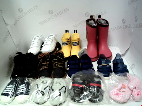 Lot 16174 BOX OF APPROXIMATELY 11 PAIRS OF BABY SHOES TO INCLUDE CONVERSE, ADIDAS, DR MARTENS ETC.