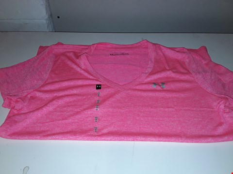 Lot 641 BRAND NEW UNDER ARMOUR HEAT GEAR IN PINK  SIZE LG