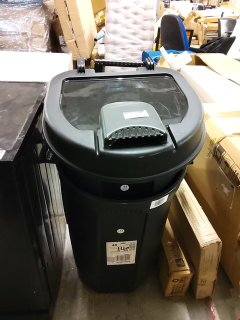 Lot 9090 BLACK BIN WITH WHEELS