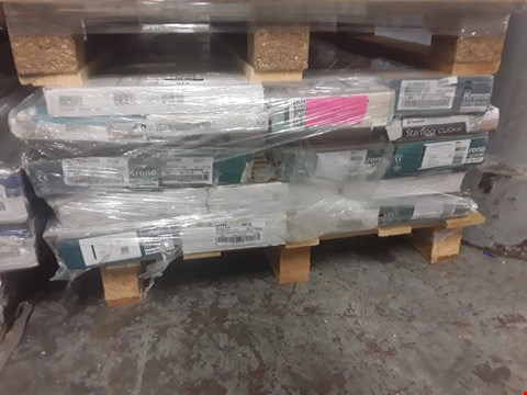 Lot 914 PALLET OF APPROXIMATELY 20 PACKS OF ASSORTED LAMINATE FLOORING