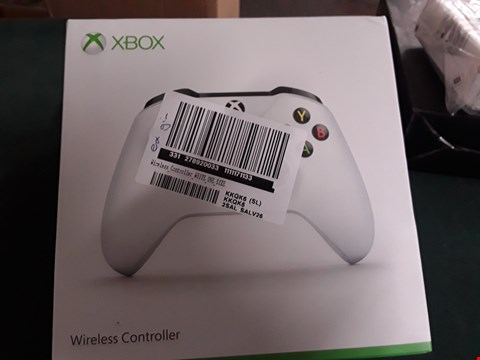 Lot 11 XBOX WIRELESS CONTROLLER  RRP £70.00