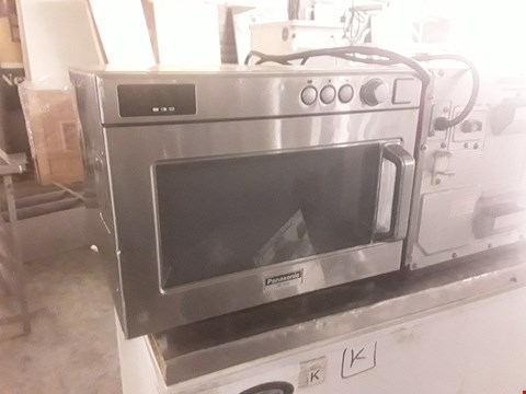 Lot 95 PANASONIC COMMERCIAL MICROWAVE