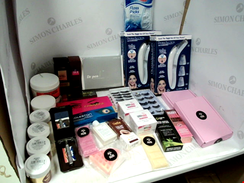 Lot 11080 LOT OF ASSORTED HEALTH & BEAUTY PRODUCTS TO INCLUDE: DERMASUCTION PORE CLEANING DEVICES, ALYSSA EDWARDS ANASTASIA EYESHADOW PALETTE, SAFETY RAZOR WITH BLADES, ASSORTED BATHROOM & COSMETICS PRODUCTS