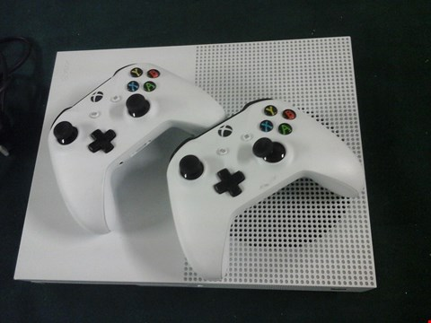 Lot 1051 XBOX ONE 500GB CONSOLE RRP £389