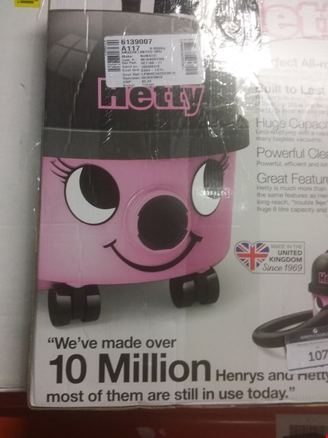 Lot 107 HETTY HET160 BAGGED CYLINDER VACUUM, 620 W, 6 LITRES, PINK NEED SOME ADVICE? TRY OUR