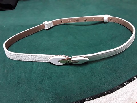 Lot 71 WHITE FAUX LEATHER LEAF DESIGN BELT