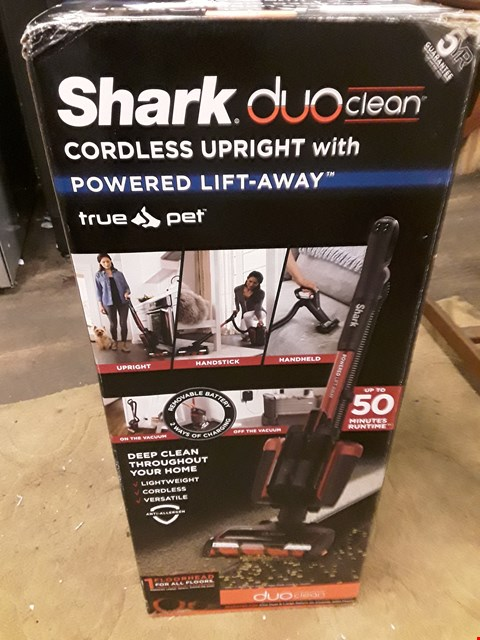 Lot 41 BOXED SHARK DOU CLEAN CORDLESS UPRIGHT VACUUM CLEANER WITH POWERED LIFT AWAY