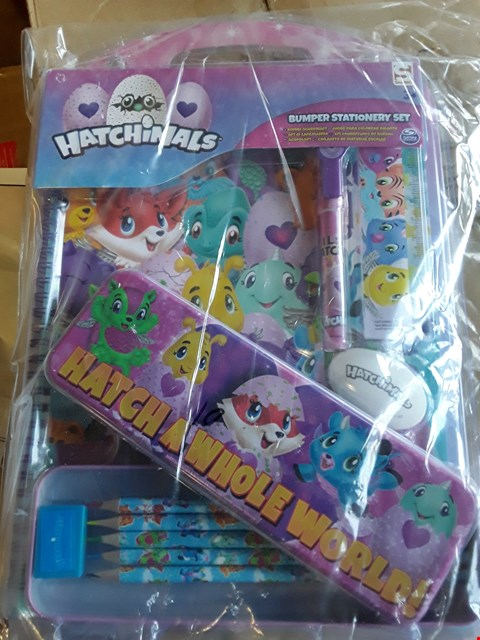 Lot 6314 APPROXIMATELY 5 GRADE 1 ITEMS TO INCLUDE 480 BLUE ICICLE LIGHTS AND HATCHIMALS BUMPER STATIONERY SET RRP £97