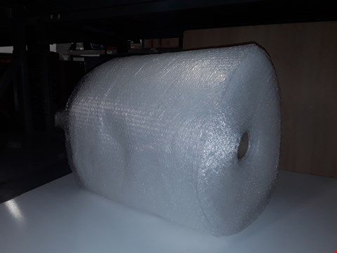 Lot 204 LARGE ROLL OF BUBBLE WRAP