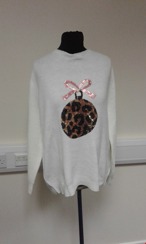 Lot 3140 APPROXIMATELY 15 DOROTHY PERKINS CURVE CREAM CHRISTMAS BAUBLE JUMPERS IN ASSORTED SIZES