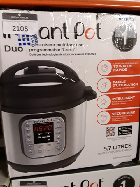 Lot 2102 INSTANT POT 7 IN 1 PRESSURE COOKER