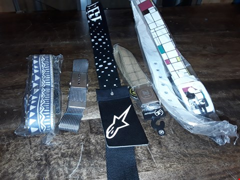 Lot 1724 LOT OF APPROXIMATELY 5 ASSORTED DESIGNER BELTS TO INCLUDE NIXON AND DAKINE