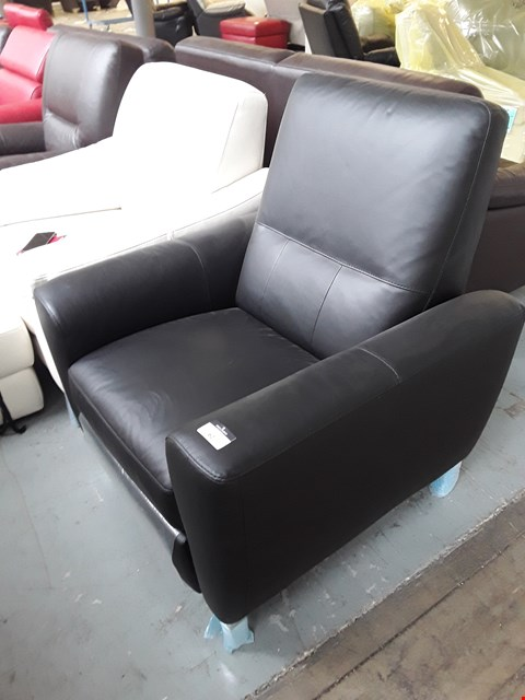 Lot 62 BRAND NEW QUALITY ITALIAN DESIGNER BLACK LEATHER MANUAL RECLINING ARMCHAIR