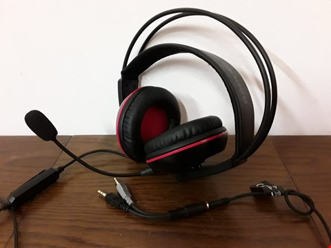 Lot 9022 ASUS REPUBLIC OF GAMERS BLACK/RED GAMING HEADSET WITH MIC