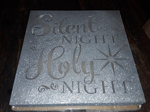 Lot 6038 LOT OF 2 TO INCLUDE WHITE WOOD LIT SCENE, GLITTER SILENT NIGHT CHRISTMAS WALL DECORATION RRP £57