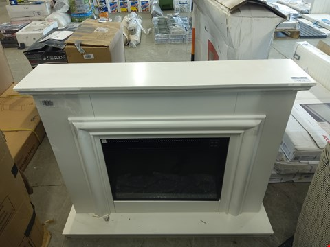 Lot 1018 FOCAL POINT AMERSHAM WHITE LED ELECTRIC FIRE SUITE  RRP £407.00
