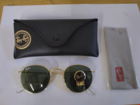 Lot 1597 RAY BAN STYLE GLASSES WITH CASE