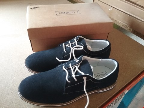 Lot 11130 FRIBOO NAVY SHOES - SIZE 40