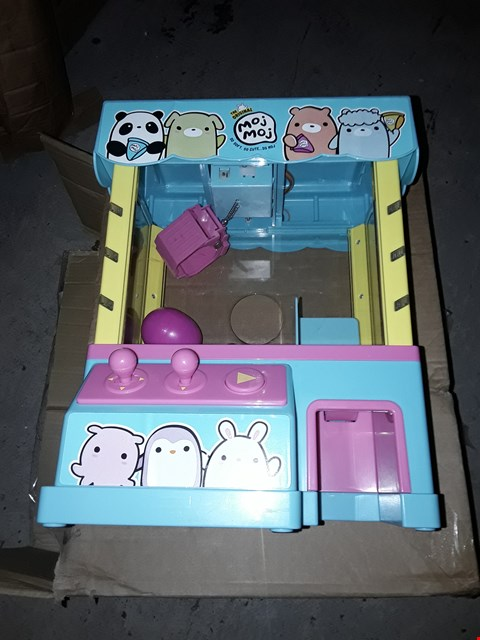 Lot 843 CLAW MACHINE PLAYSET  RRP £57.00