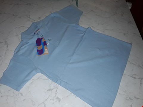 Lot 15104 BOX OF APPROXIMATELY 100 BOYS BLUE POLO SHIRTS IN VARIOUS SIZES