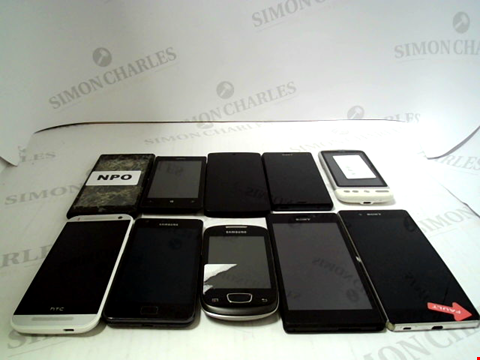 Lot 673 LOT OF APPROXIMATLEY 10 ASSORTED MOBILE PHONES AND SMARTPHONES ETC