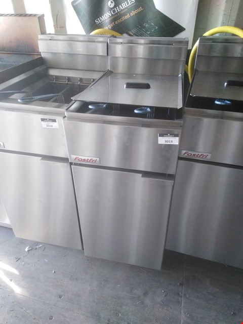 Lot 3019 FAST FRI FF18 DEEP FAT FRYER