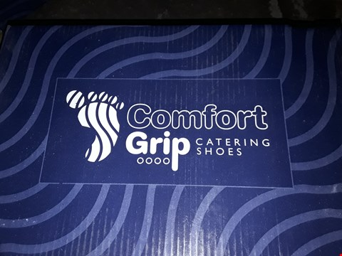 Lot 77 BOXED PAIR OF COMFORT GRIP WHITE SANDALS SIZE 37