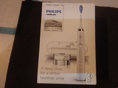 Lot 6553 PHILIPS SONICARE DIAMOND CLEAN CORDLESS TOOTHBRUSH