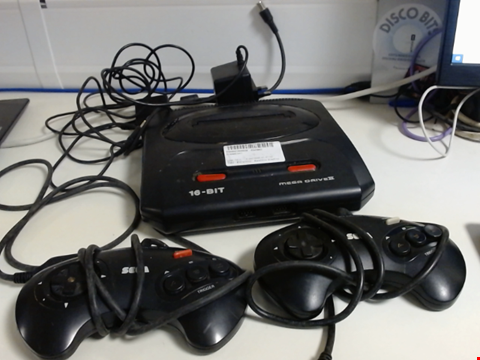 Lot 5142 SEGA MEGA DRIVE II GAMES CONSOLE WITH 2 CONTROLLERS