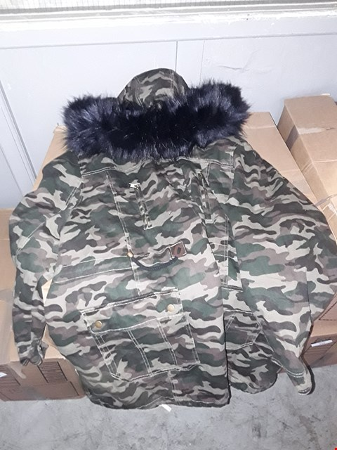 Lot 360 BOX OF APPROXIMATELY 4 ASSORTED CLOTHING ITEMS TO INCLUDE CAMOUFLAGE COTTON PARKA