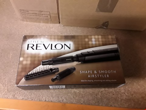 Lot 283 BOXED STYLE BY REVLON SHAPE & SMOOTH AIRSTYLER