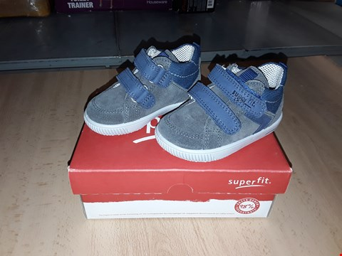 Lot 12359 BOXED SUPERFIT MOPPY SUEDE GREY/BLUE VELCRO SHOES UK SIZE 3 JUNIOR