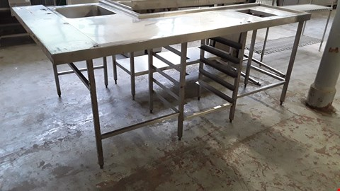Lot 59 COMMERCIAL L SHAPED WASH UP TABLE WITH SINK ON RACKED BASE
