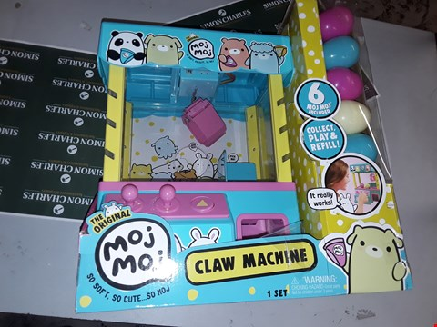 Lot 7642 PLAY MACHINE CLAW SET RRP £59.96