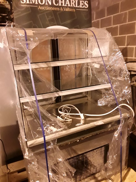 Lot 15 REFRIGERATED GLASS TOP DISPLAY CABINET
